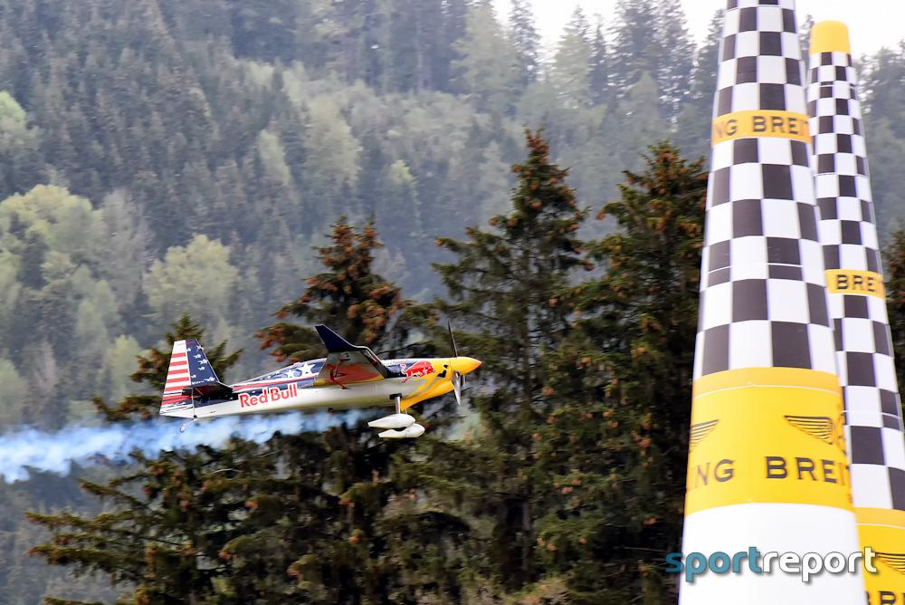 Red Bull Air Race im Landeanflug auf Niederösterreich