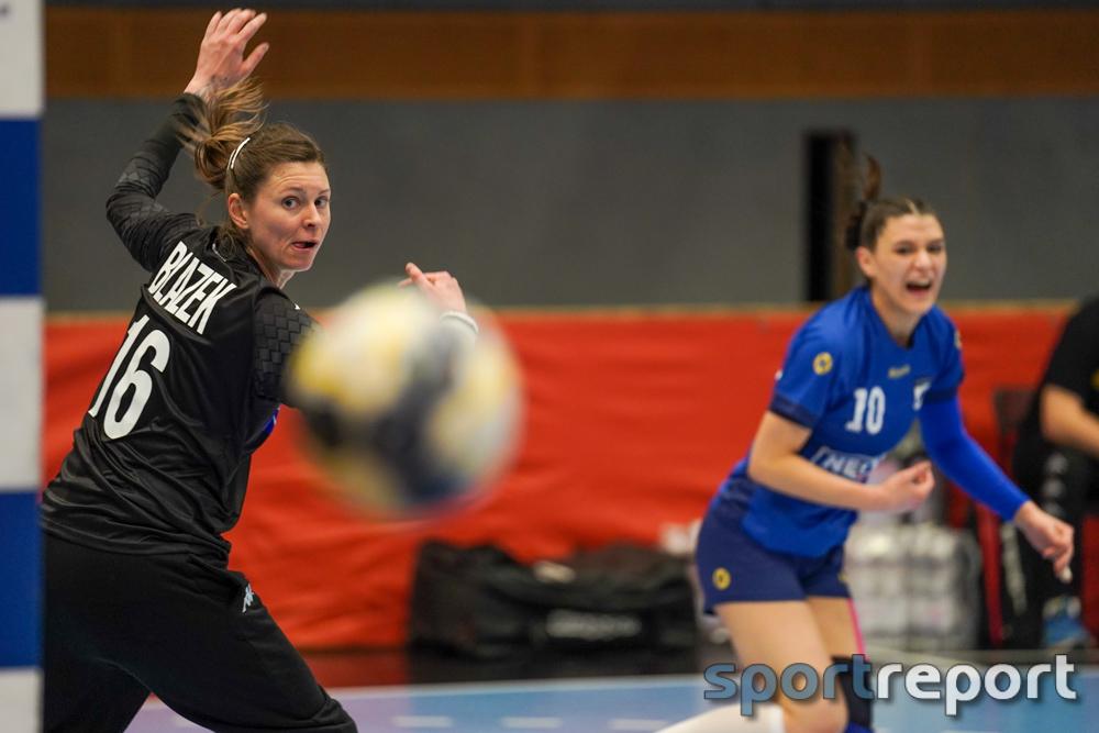 ÖHB-Nationalteam Kapitänin Petra Blazek im 200er Club - Ehrung im Spiel gegen Rumänien